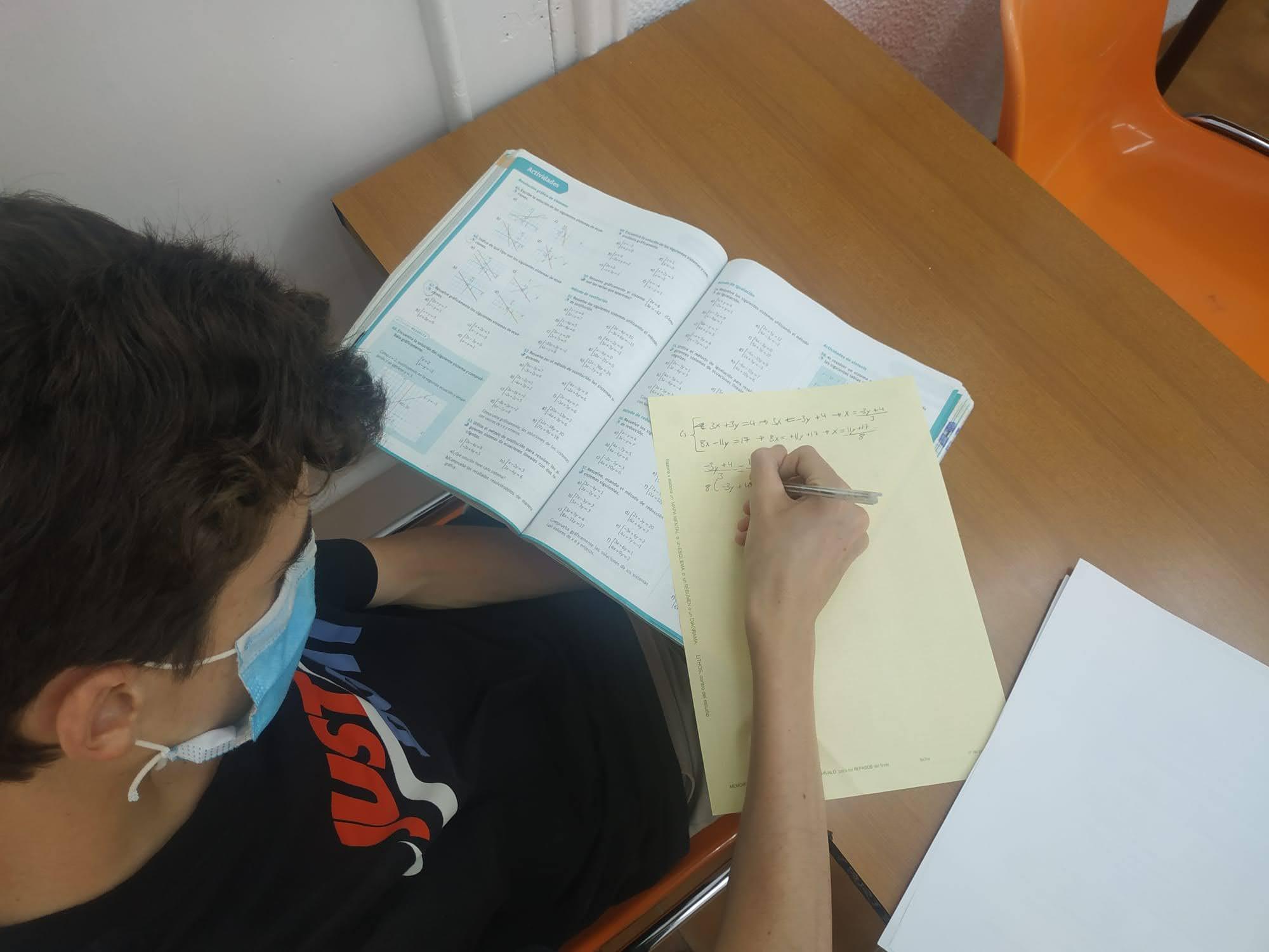 Estudia con Nosotros
